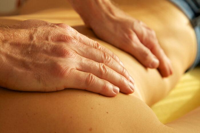täglich medizinische Massagen